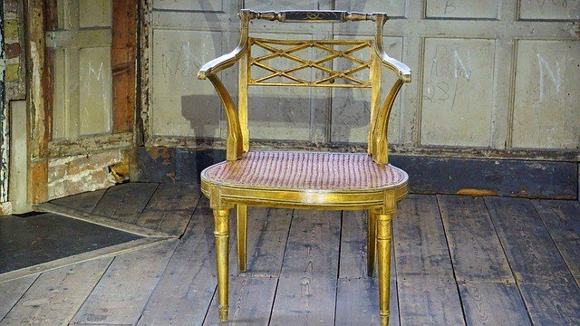 antique-chair-1455161_640
