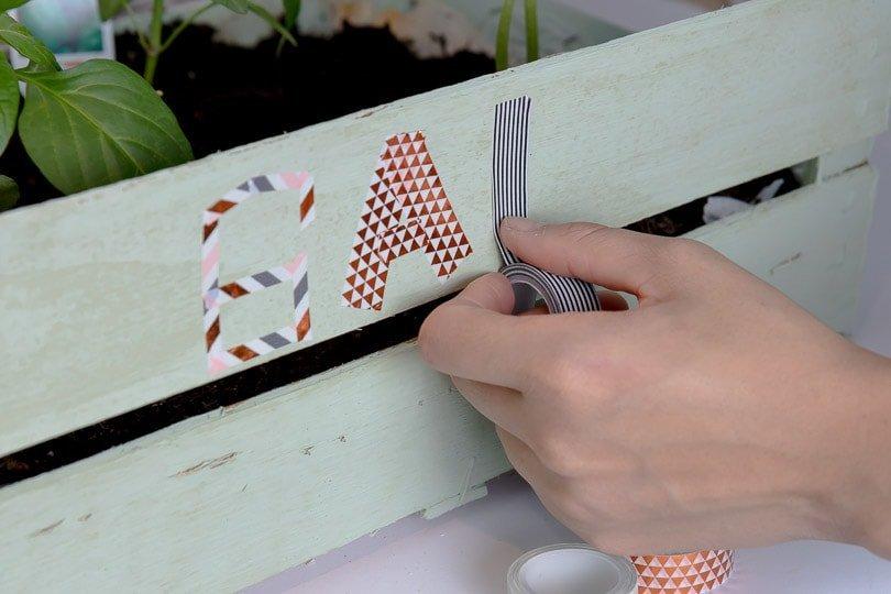 DIY Blumenbeet aus Holzstiege-4319